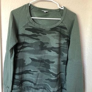 Splendid Camo Sweatshirt - Medium